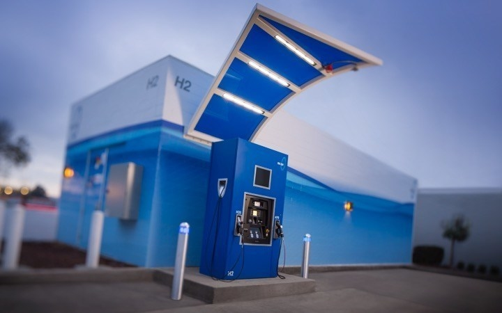 The clean and simple-to-use True Zero hydrogen-charging station in South San Franciso, CA.